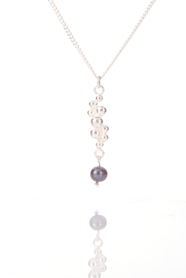 sil_bluepearl_necklace